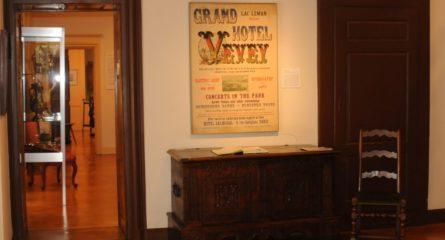 Affiche restaurée par Beaubourg Encadrements